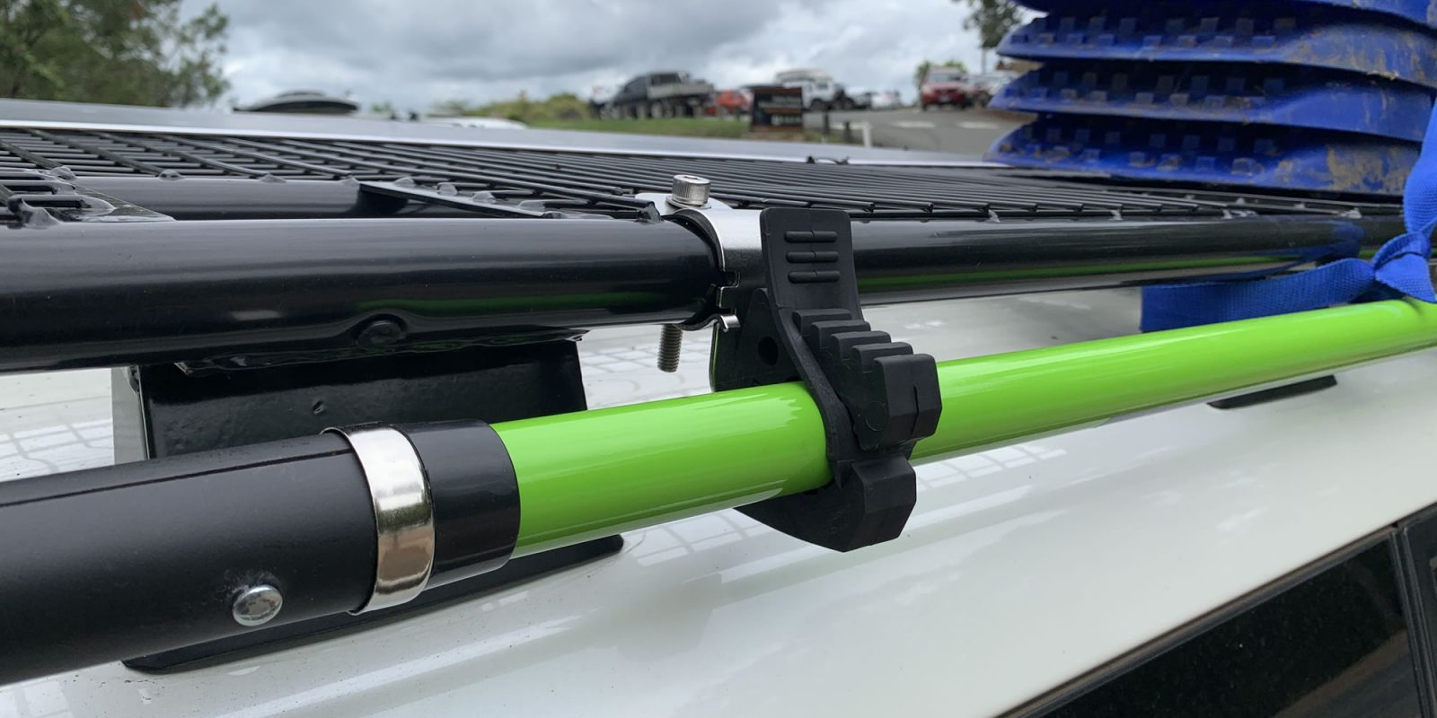 DIY 4WD Roof Rack Shovel Holder